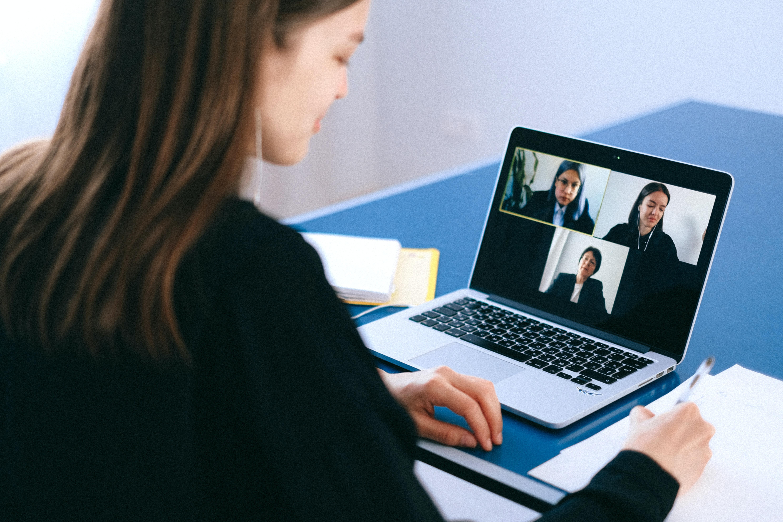 Vai ser possível utilizar videoconferência em escrituras e divórcios a partir de novembro